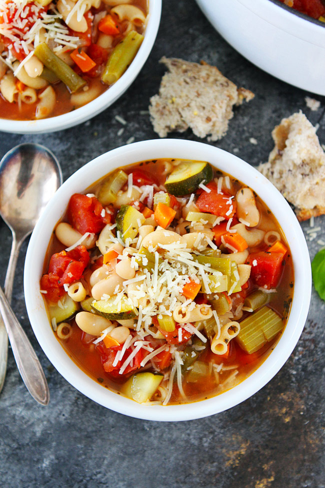 Easy-Minestrone-Soup-4