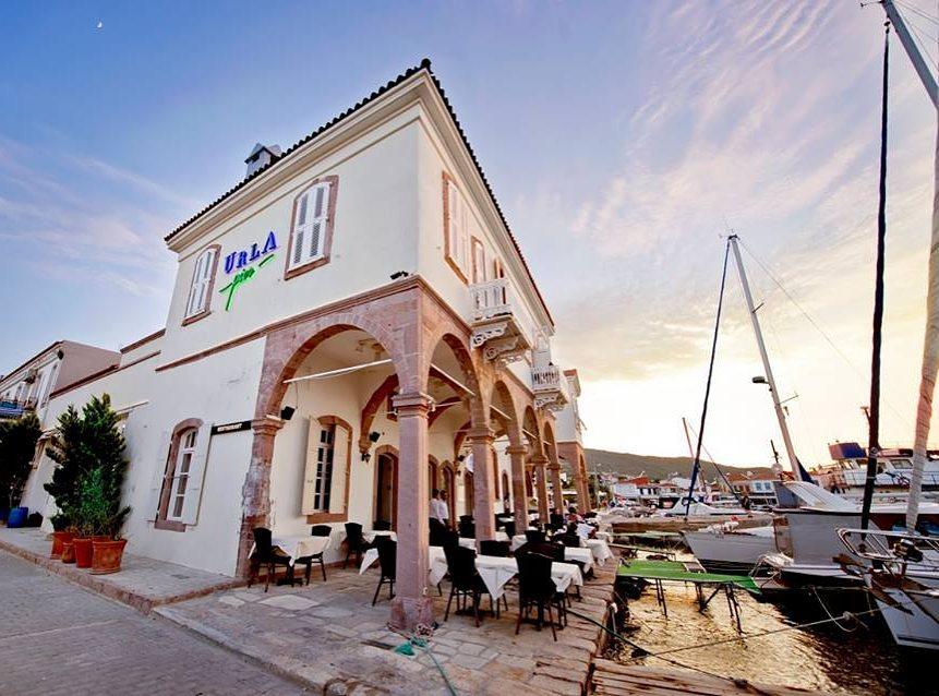 Urla Pier Hotel