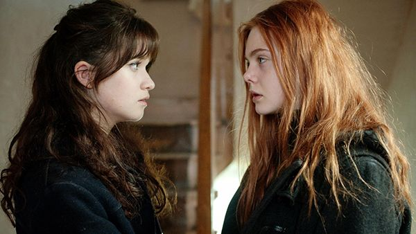 _Ginger-Rosa-2012-Stills-alice-englert-32604122-2048-1363