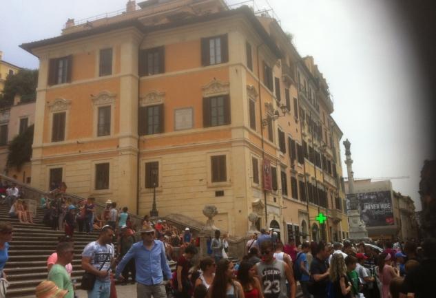 Roma'da Parlak Yıldızın Peşinde: Bir Şair, Bir Film ve Bir Müze