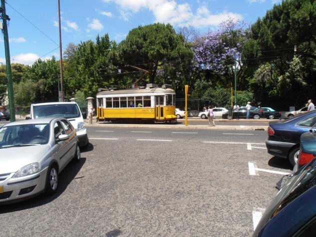 Lizbon'un İkonik Sarı Tramvayı