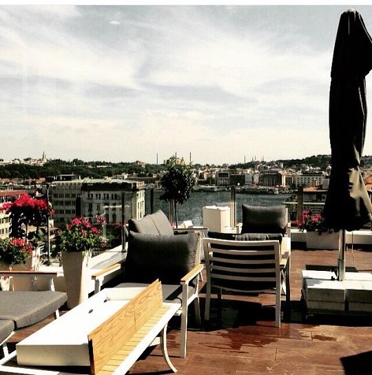 Kasa Roof Lounge