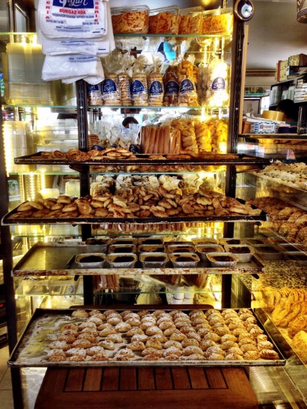 Burgazada Ergün Pastanesi