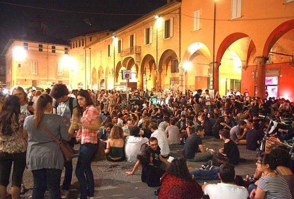 En Hareketli Meydan: Giuseppe Verdi Meydanı
