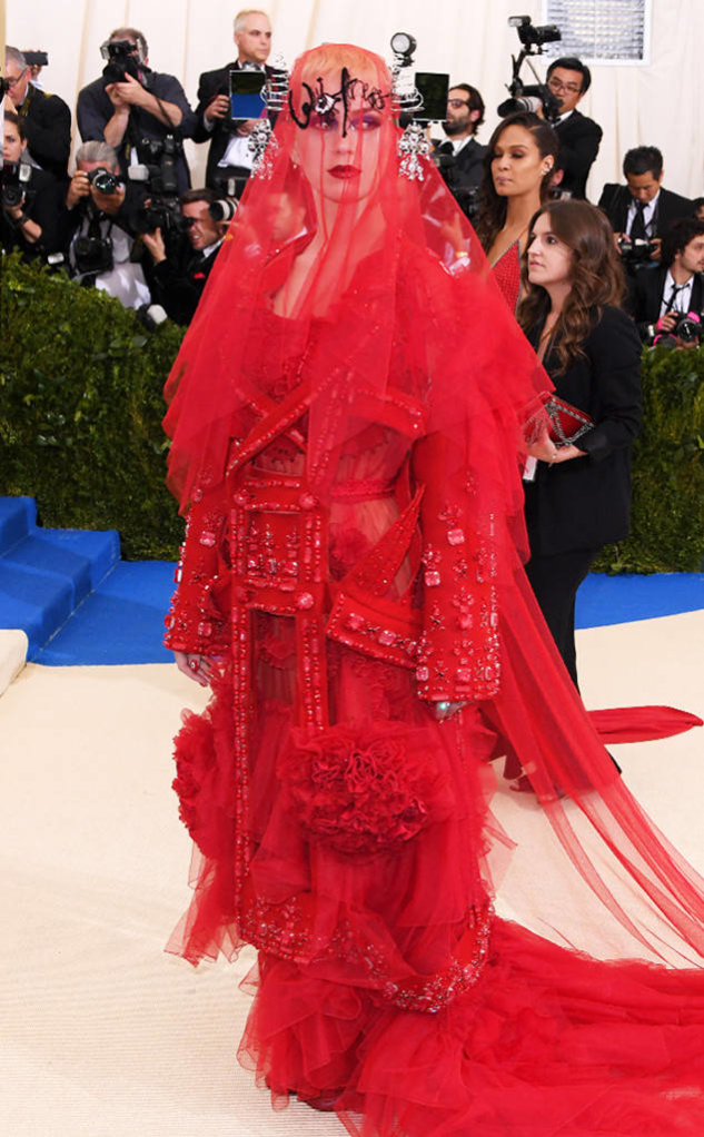 rs_634x1024-170501153759-634.Katy-Perry-Calloway-Met-Gala-2017-Arrivals.ms.050117