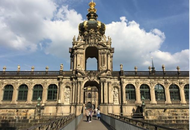 Savulun Saksonlar, Ben Geldim!: Dresden Notları