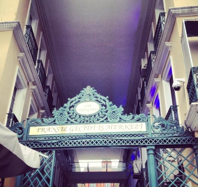 Fransız Geçidi – Karaköy