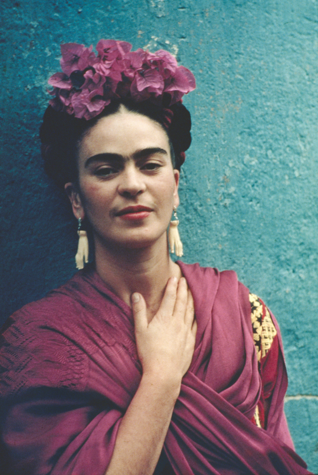 Nickolas Muray – Frida Picasso Küpeleriyle