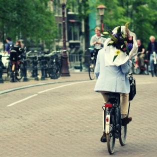 Amsterdam Gezisi: Cafe'ler, Gece Hayatı, Pazarlar, Müzeler