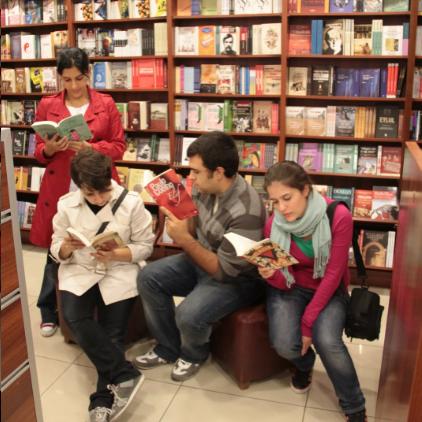 Dört Kitaplık, Bir Blog: Başucumuzda Kitap