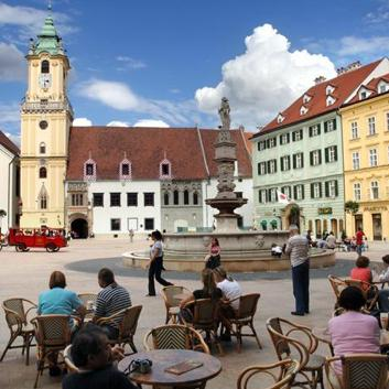 Bratislava: Görmeden Önce Ölebileceğiniz 100 Şehirden Yalnızca Biri