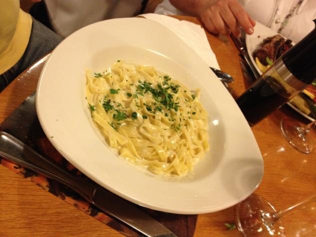 Kremalı ve Gorgonzola peynirli Tagliatelle
