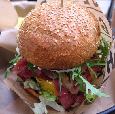 Suşiden Makarnaya: Cadde'de Bi' Dünya Mutfak