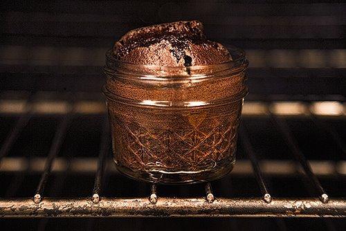 Kim Söylemiş Beni Çikolataya Vurulmuşum Diye: Sıcak Çikolatalı Kekin Hikayesi