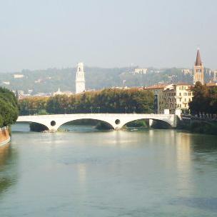 Verona: İtalya'nın Romantik Şehrinden Notlar