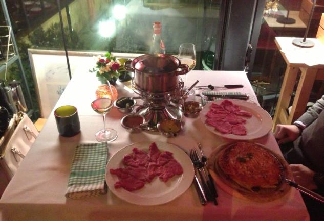 Kuruçeşme'de Fondü Keyfi: Swiss Cafe & Restaurant