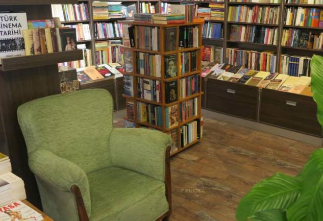 İstanbul Kitapçıları: Uğramanız Gereken 10 Kitabevi