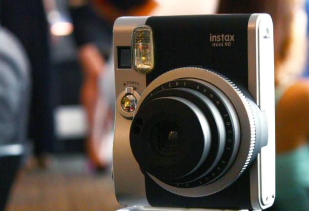 Fujifilm'in Son Harikası: Instax Mini 90 NeoClassic