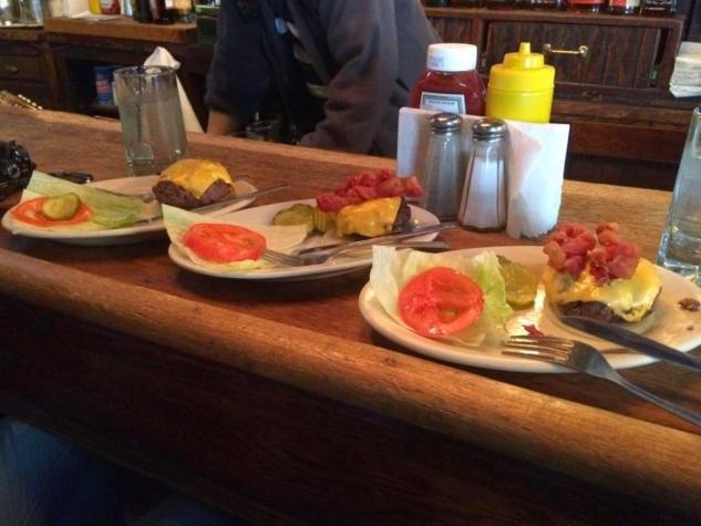 new york burger – corner bistro2