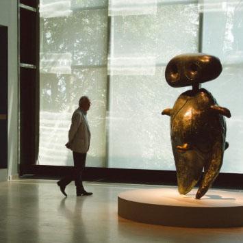 Joan Miro 'Kadınlar, Kuşlar, Yıldızlar' Sergisi ile İstanbul'da