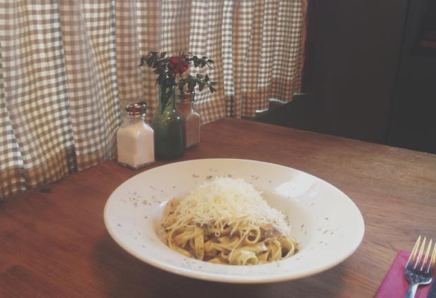 Hem İtalyan Hem Mahalle Barı: Babbo Pizza & Bar