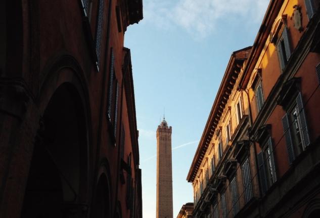 Bilge, Şişman ve Kırmızı Şehir: Bologna