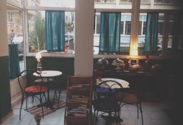 Fahriye Cafe: Nostaljik Bir Zaman Dilimi