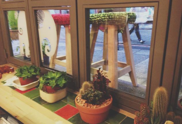 Volare Moda: Moda'da Bir Tasarım Dükkanı & Cafe
