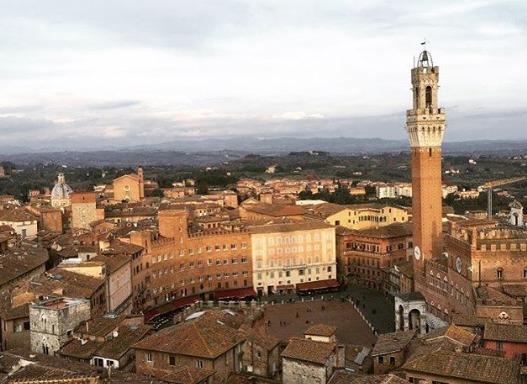 Bologna: İtalya'nın Sessiz ve Kırmızı Güzeli