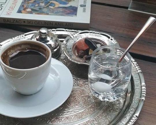 Türk Kahvesiyle Gelen Ege Esintisi: Tarihi Bağdat Kuru Kahvecisi