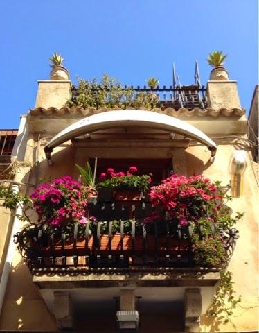 via umberto cicekli balkon