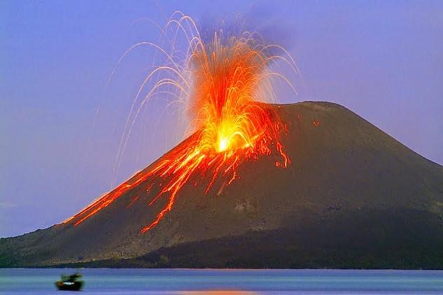 krakatau-strombolian-mf8818