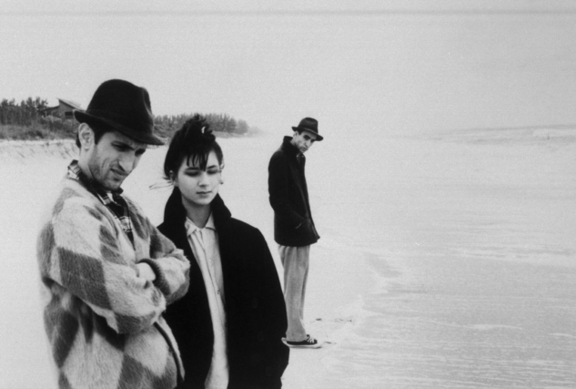 still-of-richard-edson,-eszter-balint-and-john-lurie-in-stranger-than-paradise-(1984)-large-picture-1