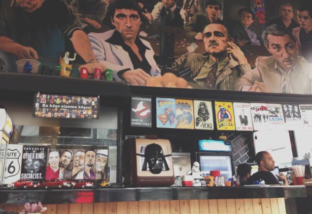 Hollywood Burger: Kadıköy'de Güzel Hamburger, Hoş Atmosfer