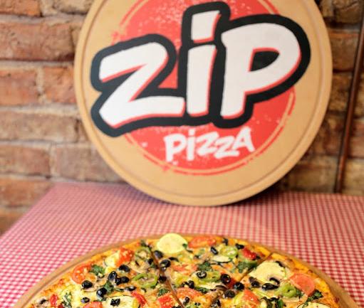 Yeldeğirmeni'nde Pizza Deyince: Zip Pizza