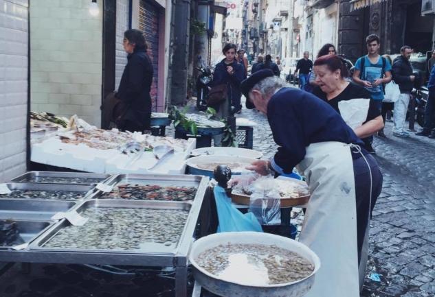 Güneşin Şehri: Napoli