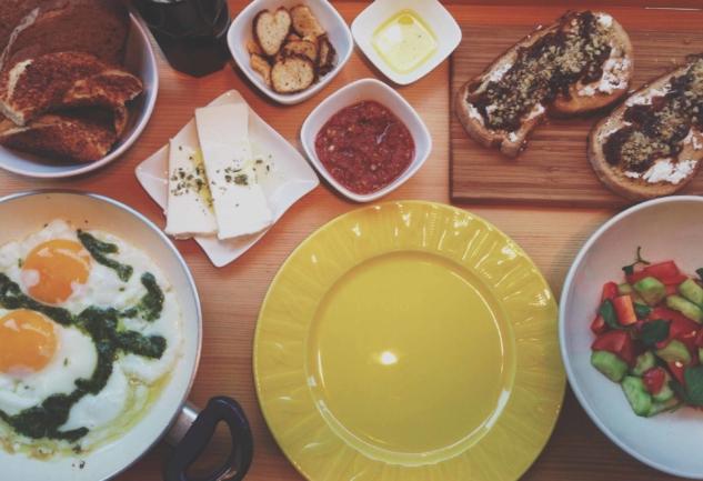 Yeldeğirmeni'nde Kahvaltı Keyfi: Pan Yeldeğirmeni