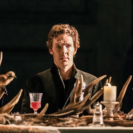 Sherlock Hamlet Olursa: National Theatre Live ile Hamlet, Salon Ekranında