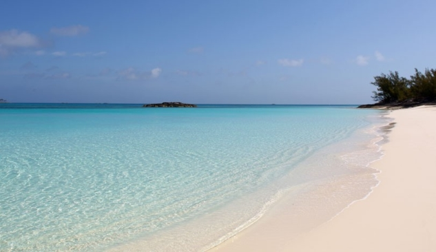 Atlantis-Paradise-Island-Beach