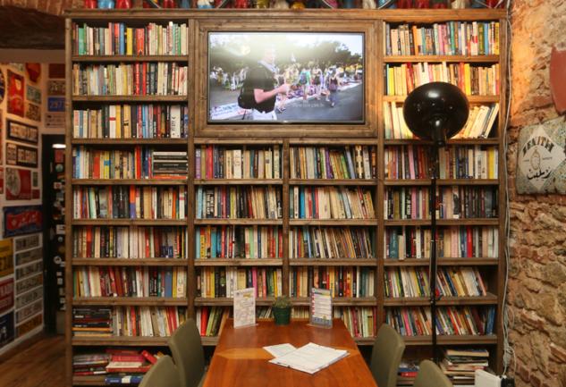 Dünyayı Gezen Kafe: Varuna Gezgin ve Hikayesi