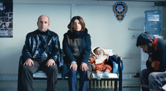 """Can Mertoğlu'ndan """"Albüm"""": Orta Sınıfın """"Normali"""""""