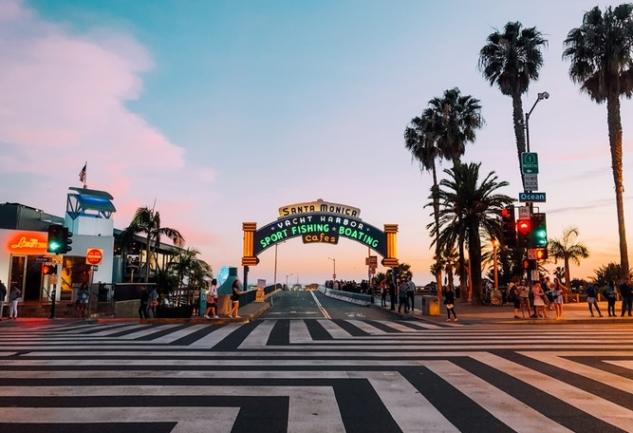 Santa Monica'da Yaşamak: İlke Kaya ile Harika Bir Sohbet