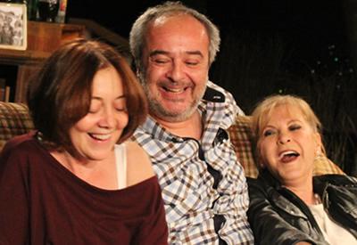 Vanya, Sonya, Maşa ve Spike: Ailecek Severek İzleyin