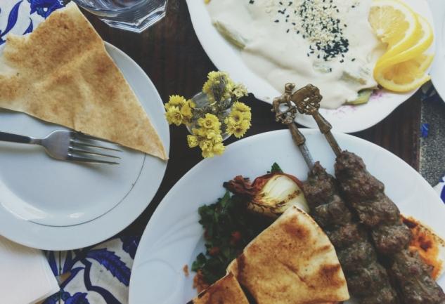 Lübnan Mutfağı Tophane'de: Arada Cafe