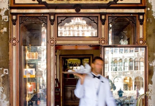 Dünyadan Yazarların Müdavimi Olduğu 6 Kafe/Bar