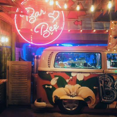 Hep Bir Karnaval Havası: Beer Hall