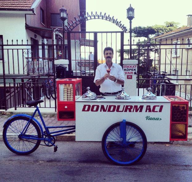 Dondurmacı Yunus – Gül Dondurma Büyükada