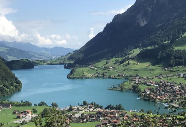 Tek Seyahatte Dört Mevsim: İsviçre Yaylaları