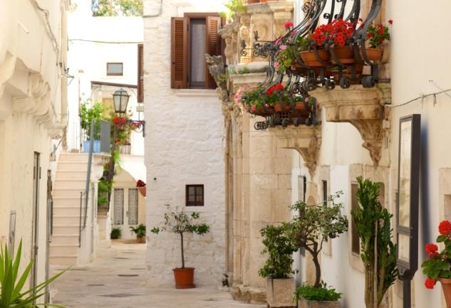 Puglia'nın Vazgeçilmezleri: Alberobello, Locorotondo ve Ostuni