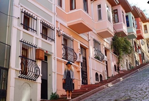 Balat Rehberi: Tarihi, Renkli Evleri ve Yeni Mekanları
